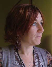 Author Nicola Pierce